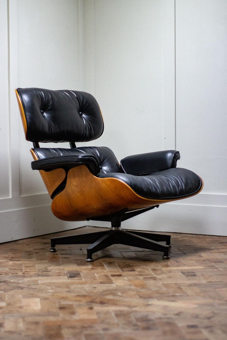 Original Charles And Ray Eames Lounge Chair By Herman Miller Eames Lounge Chair Lounge Chair Lounge Chairs Living Room