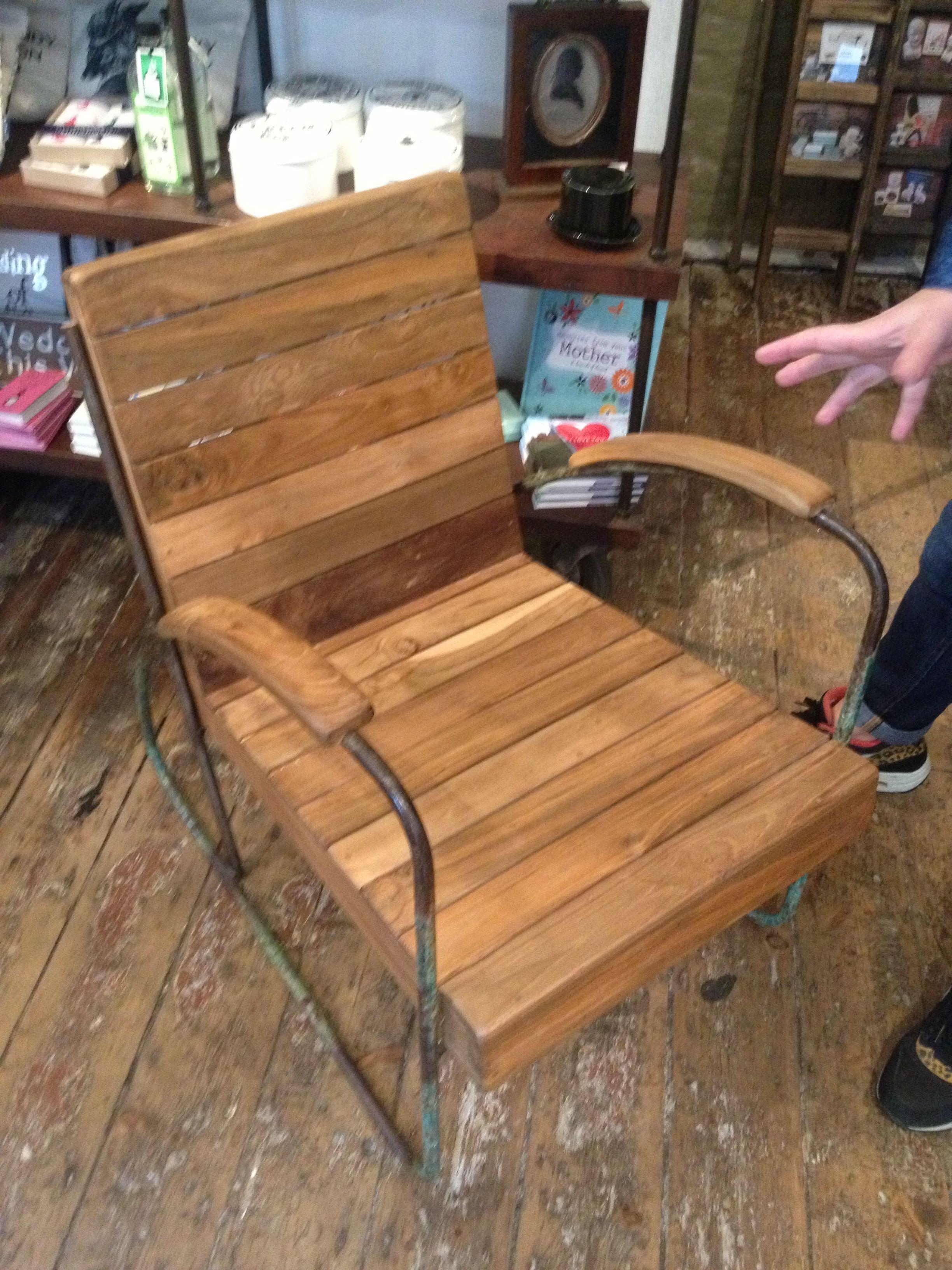 10x10 Grow Room Design: Wooden Chair, Chair, Wooden