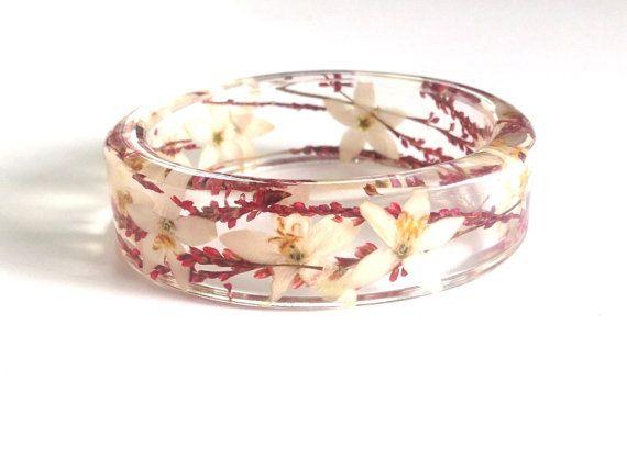 ST  Resin Bracelet. White and Pink bracelet. Floral bracelet. Botanical jewelry, Real flower jewellery. Australian Flower. Eco Friendly