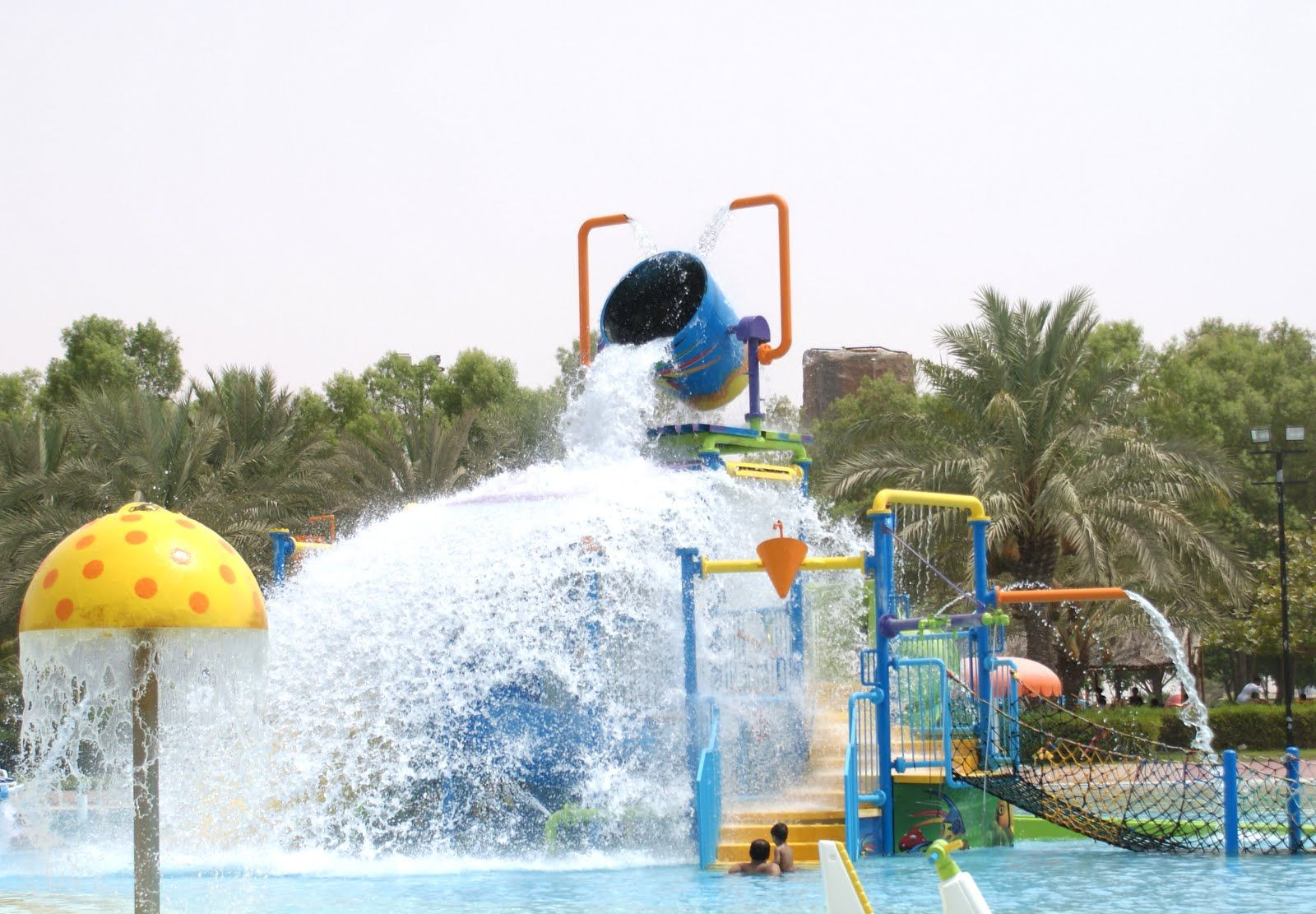 Fish aquarium in umm al quwain - Dreamland Aqua Park In Umm Al Quwain Has 30 Rides And Attractions To Keep Your Adrenaline Pumping Pictured Below Is Geared For Younger Visitors
