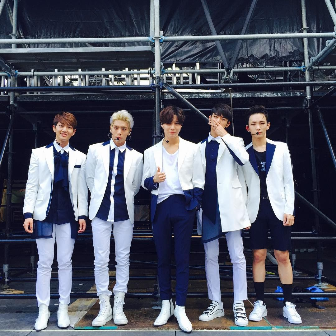 Key's IG: #anation so give it up give it up for SHINee