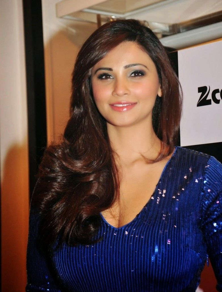 25 Beautiful Bollywood Actress Under 35 Age in 2020 3