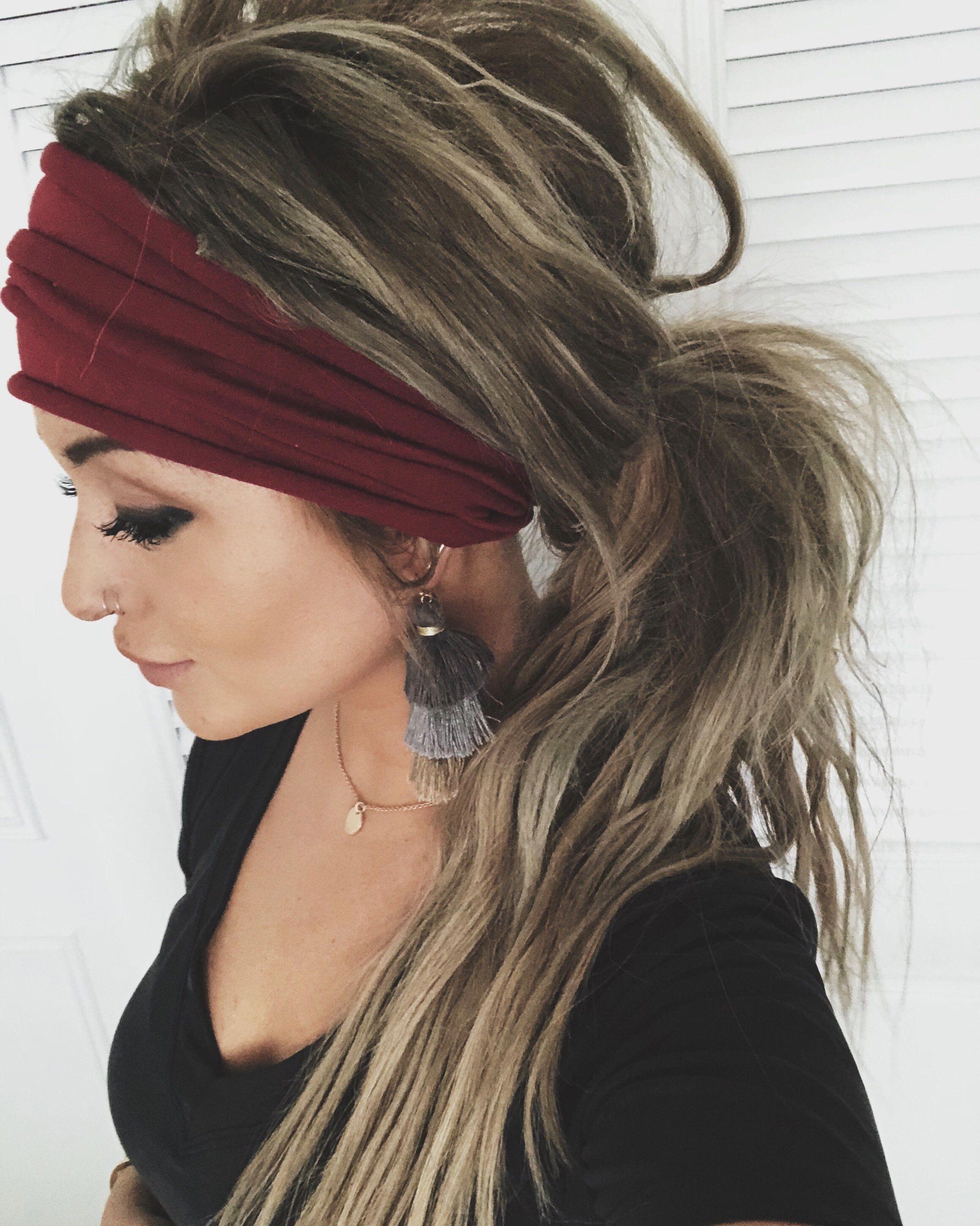 17 Trendiest Thick Headband Hairstyles Beautiful Hippie Headband Hairstyles Headband Hairstyles Scarf Hairstyles