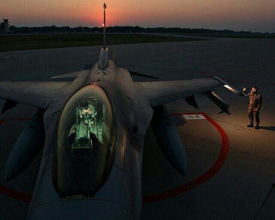 F-16 dusk