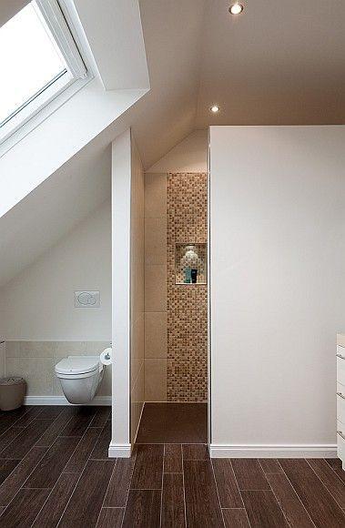 beispiel begehbare dusche und wc in dachschrge trennwand nicht bis decke hochgezogen fr lichtdurchfluss - Trennwand Dusche Gemauert