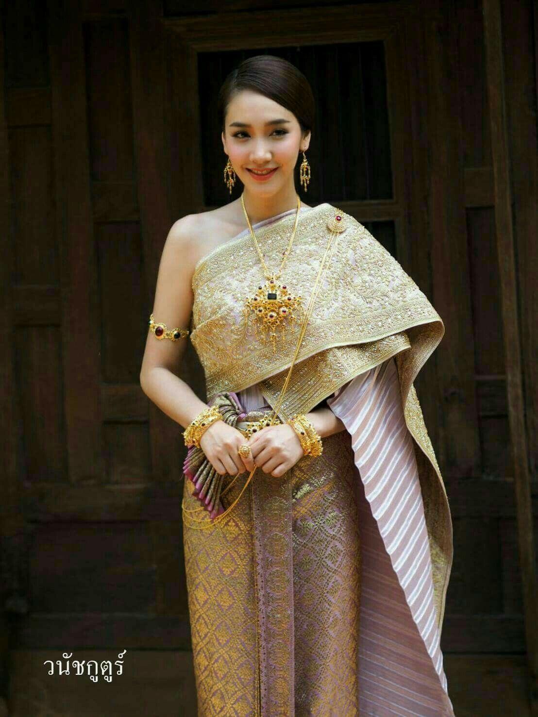 ชดไทยเจาสาว ผาสไบ pinterest traditional wedding dresses