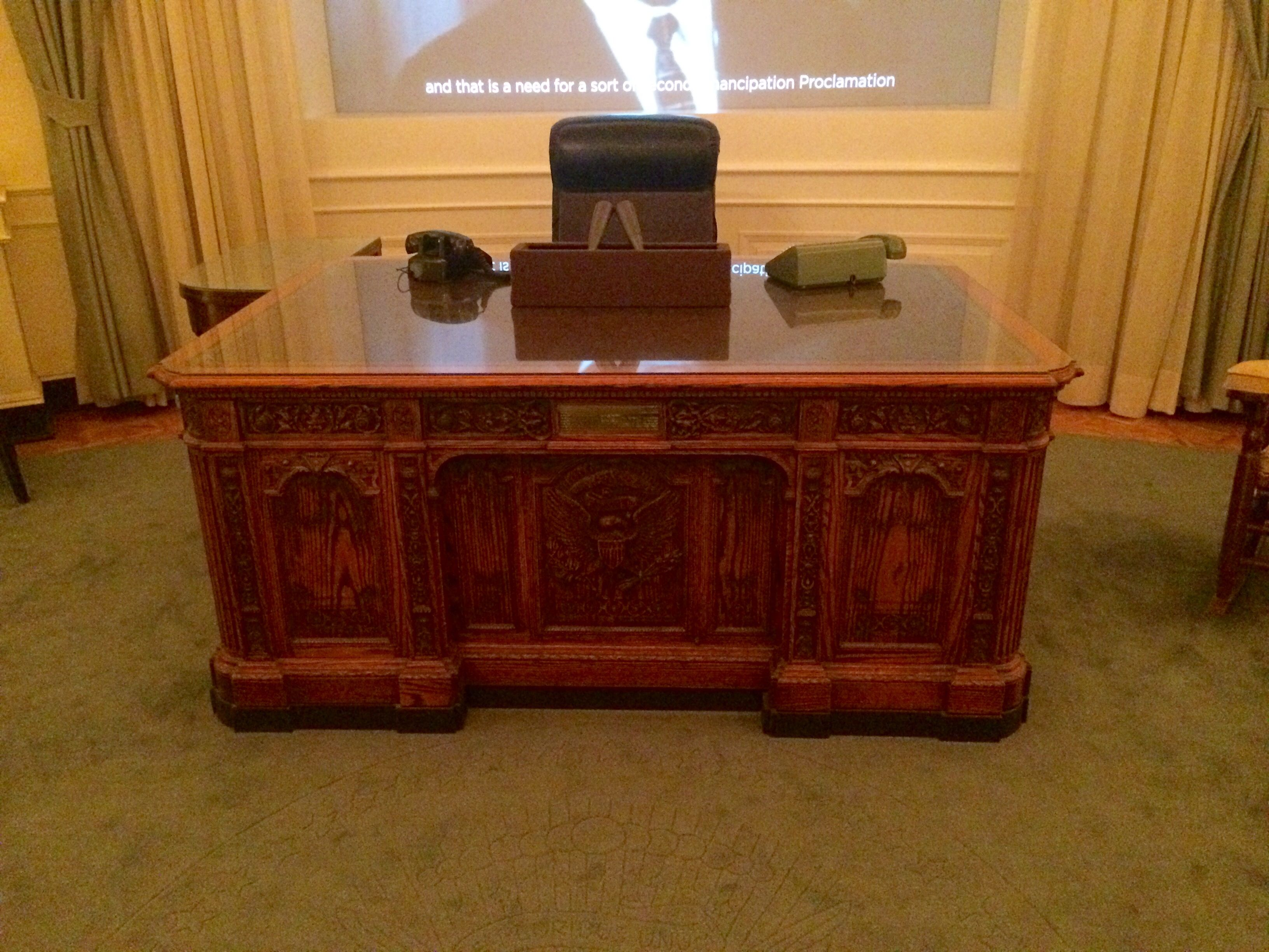 Jfk President desk. | Decor, Home decor