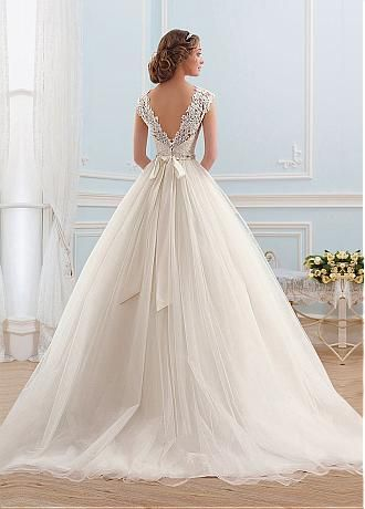 Buy discount Junoesque Tulle Bateau Neckline Ball Gown Wedding Dress at Dressilyme.com