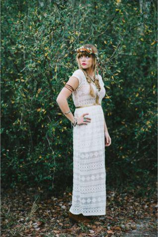 Bohemian bride   Hello Miss Lovely Photography   http://burnettsboards.com/2014/01/free-spirited-bohemian-diy-wedding/