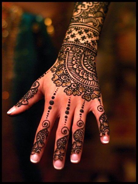 10 Stunning Mehndi Designs For Arms