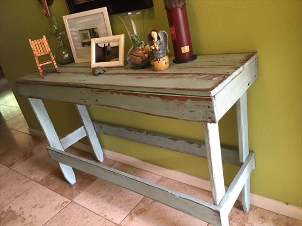 pallets are too good for furniture making and you can see this sample diy pallet distressed entryway table to not suppose it a fiction