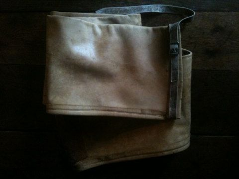 Vintage French Leather Long Fishing Rod Gun Instrument Other Case Bag circa 1960's Purchase in store here http://www.europeanvintageemporium.com/product/vintage-french-leather-long-fishing-rod-gun-instrument-other-case-bag-circa-1960s/