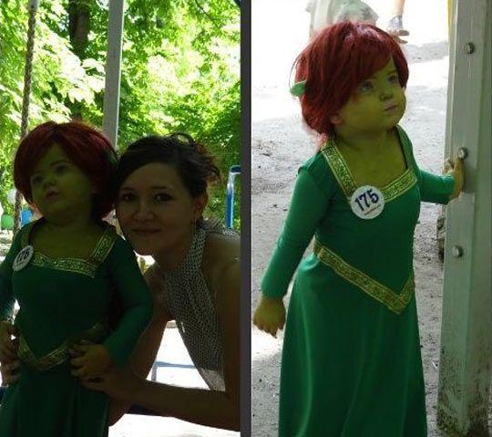 Diy Shrek Princess Fiona Costume Maskerix Com Princess Fiona Disney Princess Cosplay Fiona Costume