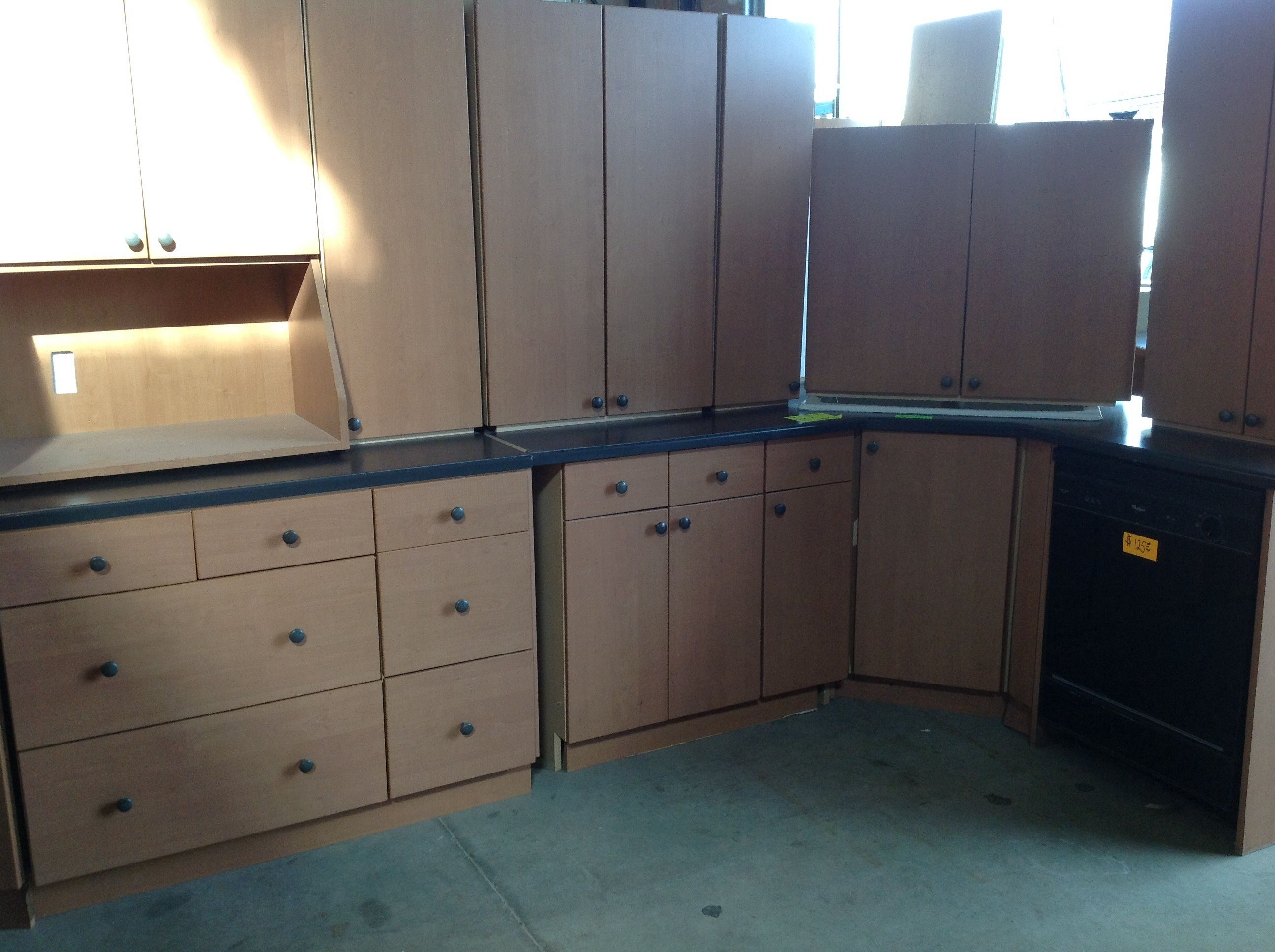 Used Kitchen Set For Sale At Chilliwack New And Used Building Materials Inc Kitchen Sets Window Handles Kitchen Cabinets