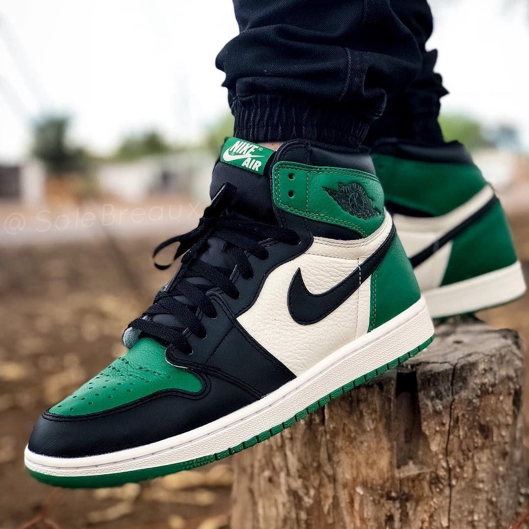 Zsneakerheadz On Instagram 2018 Air Jordan Retro 1 High Og Pinegreen On Feet September 22nd 2018 In 2020 Nike Fashion Shoes Air Jordans Retro Jordan 1 Retro High