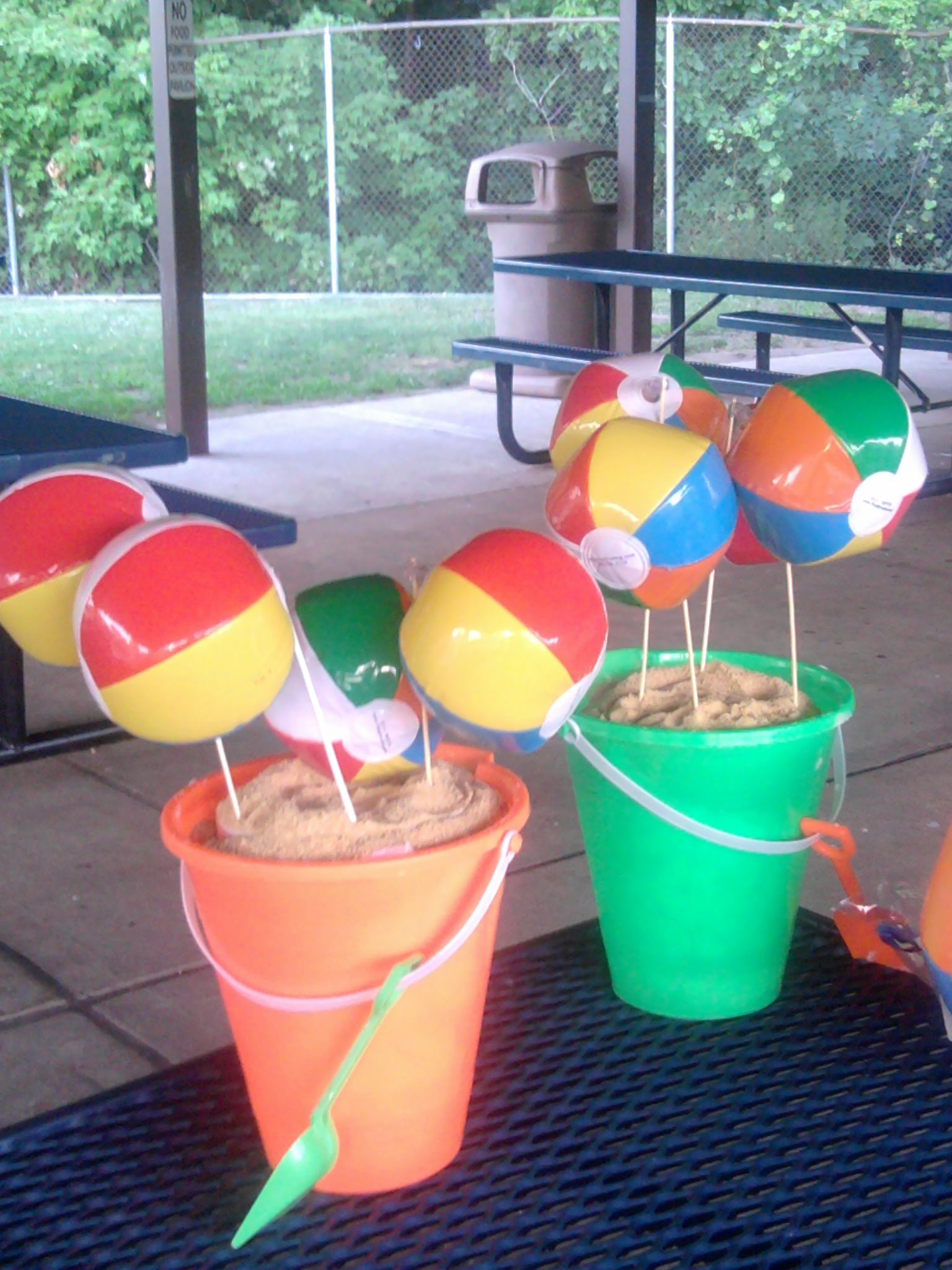 Beach ball centerpiece using crushed graham crackers for