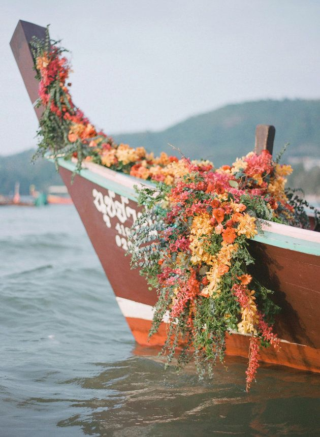 How to Make a Statement with Your Wedding Flowers