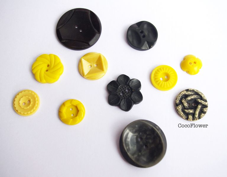 11 Buttons Vintage Button Black yellow Antique set from Coco Supplies - crochet applique, fabric button, gift tag, clothepins, vintage buttons by DaWanda.com www.pinterest.com/cocoflower