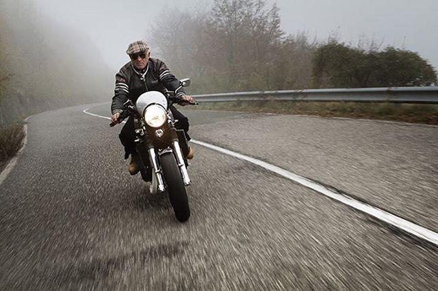 Preparare una moto significa interpretarla. Per realizzare questa Tiumph Trident 750 Bruno Avvenente si è ispirato alle moto di Bepi Koelliker. La storia su @specialcafemagazine in edicola! #specialcafe#magazine#caferacer#motorcycles
