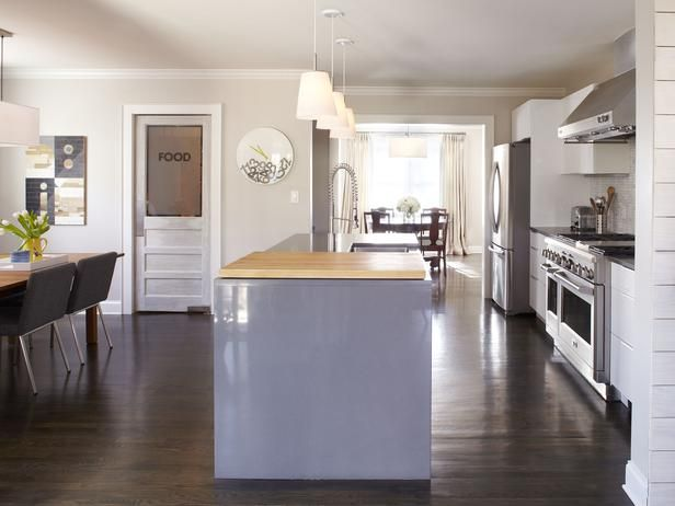 Ordinaire (I LIKE THE PANTRY DOOR) Casual Kitchen Charm : Mark Williams : Kitchens :  Pro Galleries : HGTV Remodels