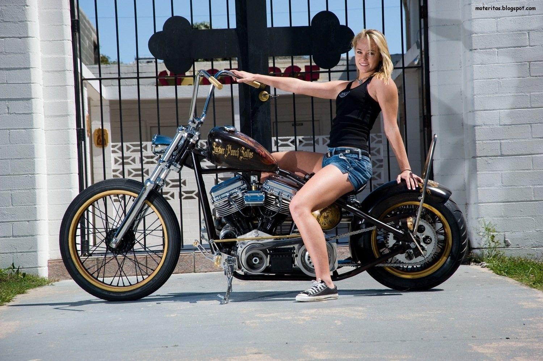 Babe And Her Bike Too Biker Girls Pinterest Bikes And Babe