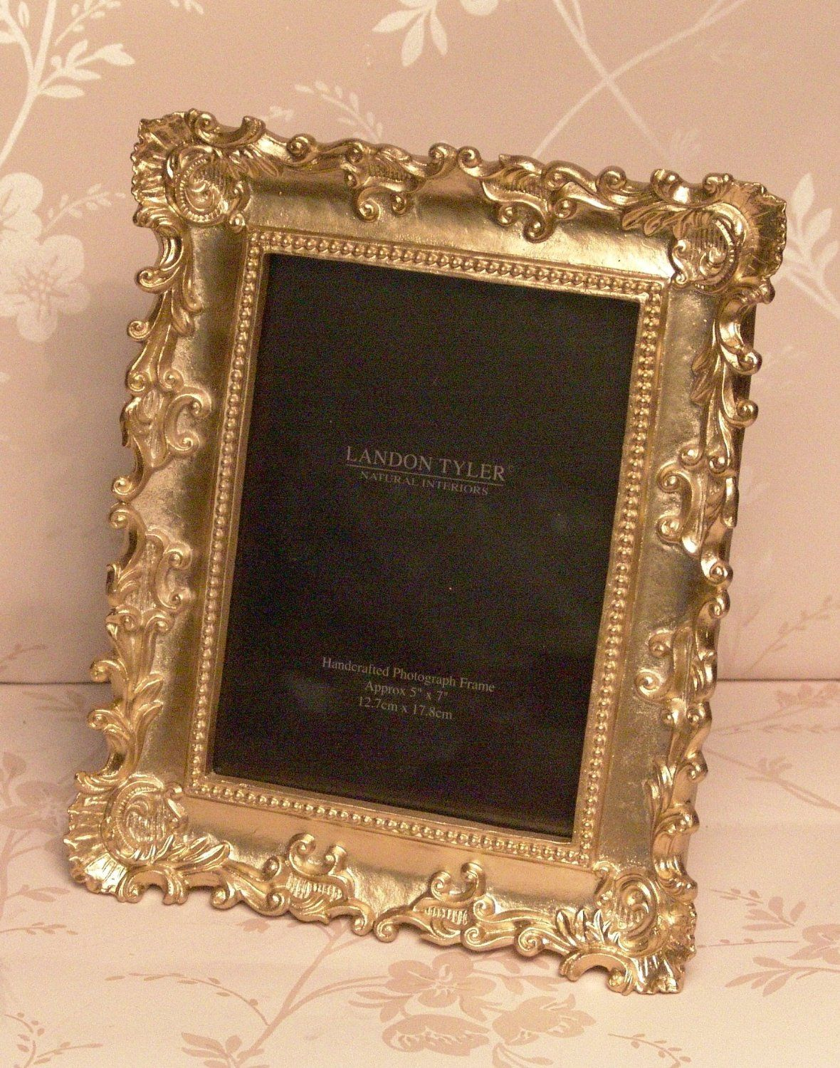 14 99 Vintage Style Gold Ornate Baroque 5 X 7 Photo Picture Frame Freestanding Amazon Co Uk Kitchen Home Shabby Chic Frames Frame Photo Picture Frames