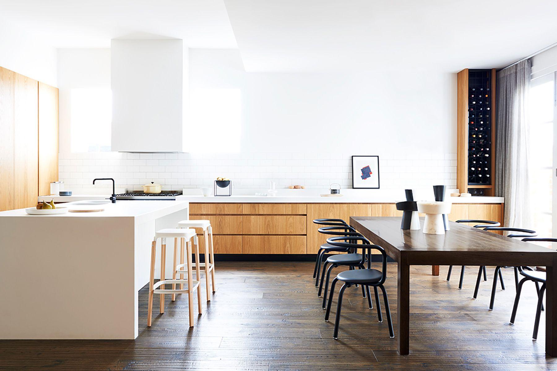 Espacio Minimalista D Nde La Cocina Y El Comedor Conviven  # Muebles Excell Aguascalientes