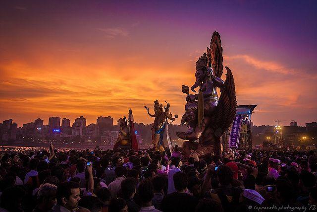 Ganesh Visarjan, Mumbai, via Flickr.