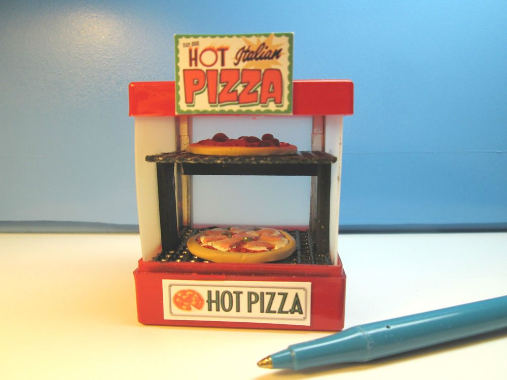 THE ELF ON THE SHELF Miniatures Hot Pizza oven w/2 pies