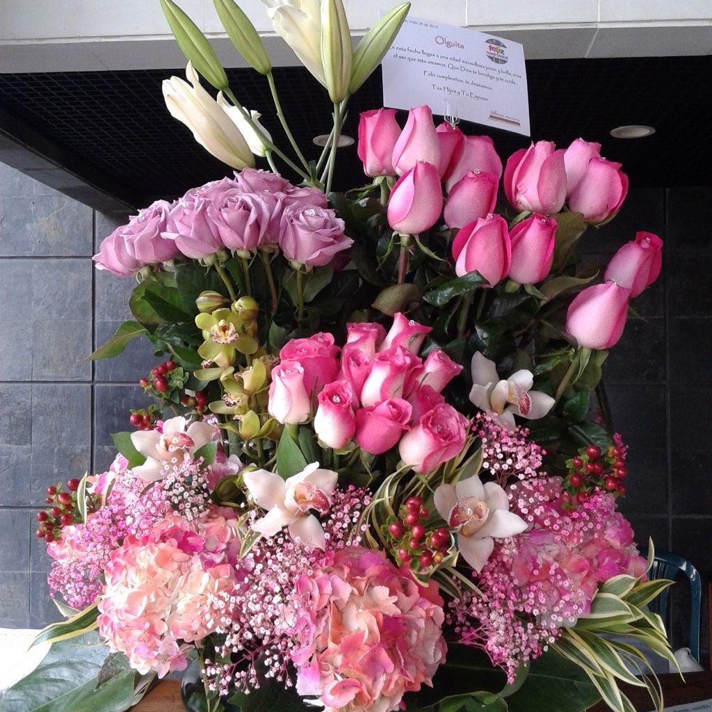 Rosas Lirios Hortensias Y Orquídeas Celebration Ideas