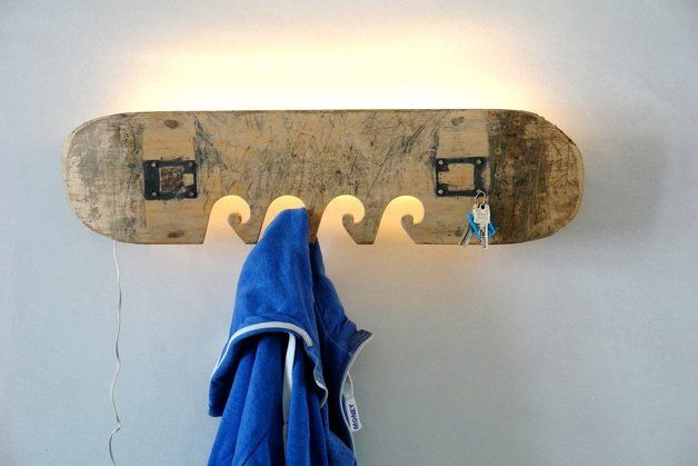 Garderobe Aus Altem Skateboard // Wardrobe, Hookboard Made Out Of A  Skateboard By Madeinosnabrueck