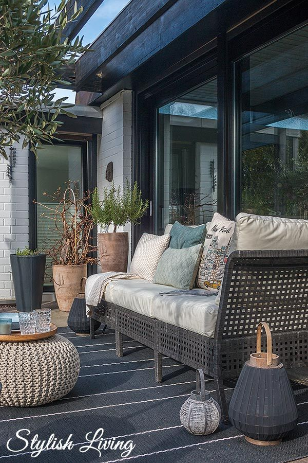 loungebereich auf der terrasse mit ebay werbung terrasse sch ner und balkon. Black Bedroom Furniture Sets. Home Design Ideas