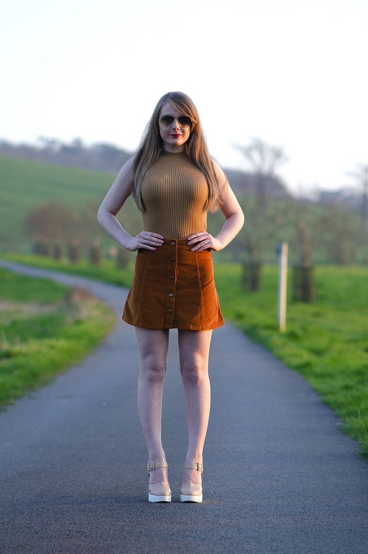 topshop-cord-skirt-crop-top-70s-blogger  58fb2e315