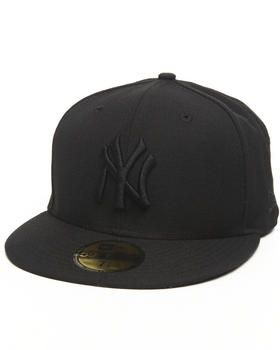 New York Yankees All Black Everything 5950 Fitted Cap By New Era Yankees Hat Hats For Men New Era Hats