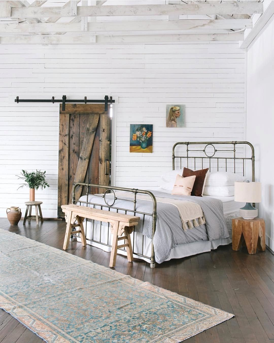 Such A Stunning Setup By Gorgeous Bed Frame And Lovely Rug