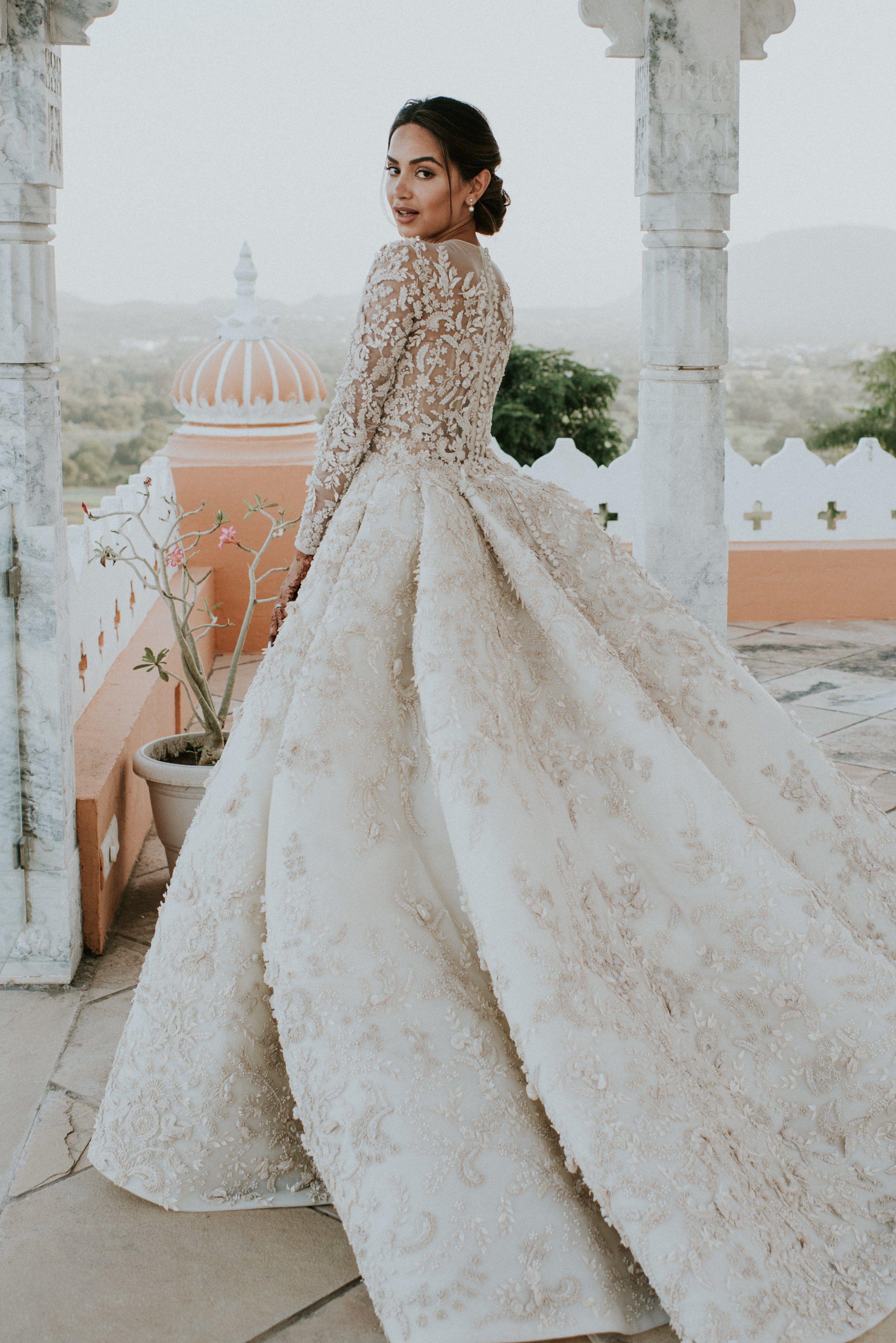Wedding Video Award On Twitter Indian Wedding Gowns Wedding Dress Long Sleeve Dream Wedding Dresses [ 4493 x 2999 Pixel ]
