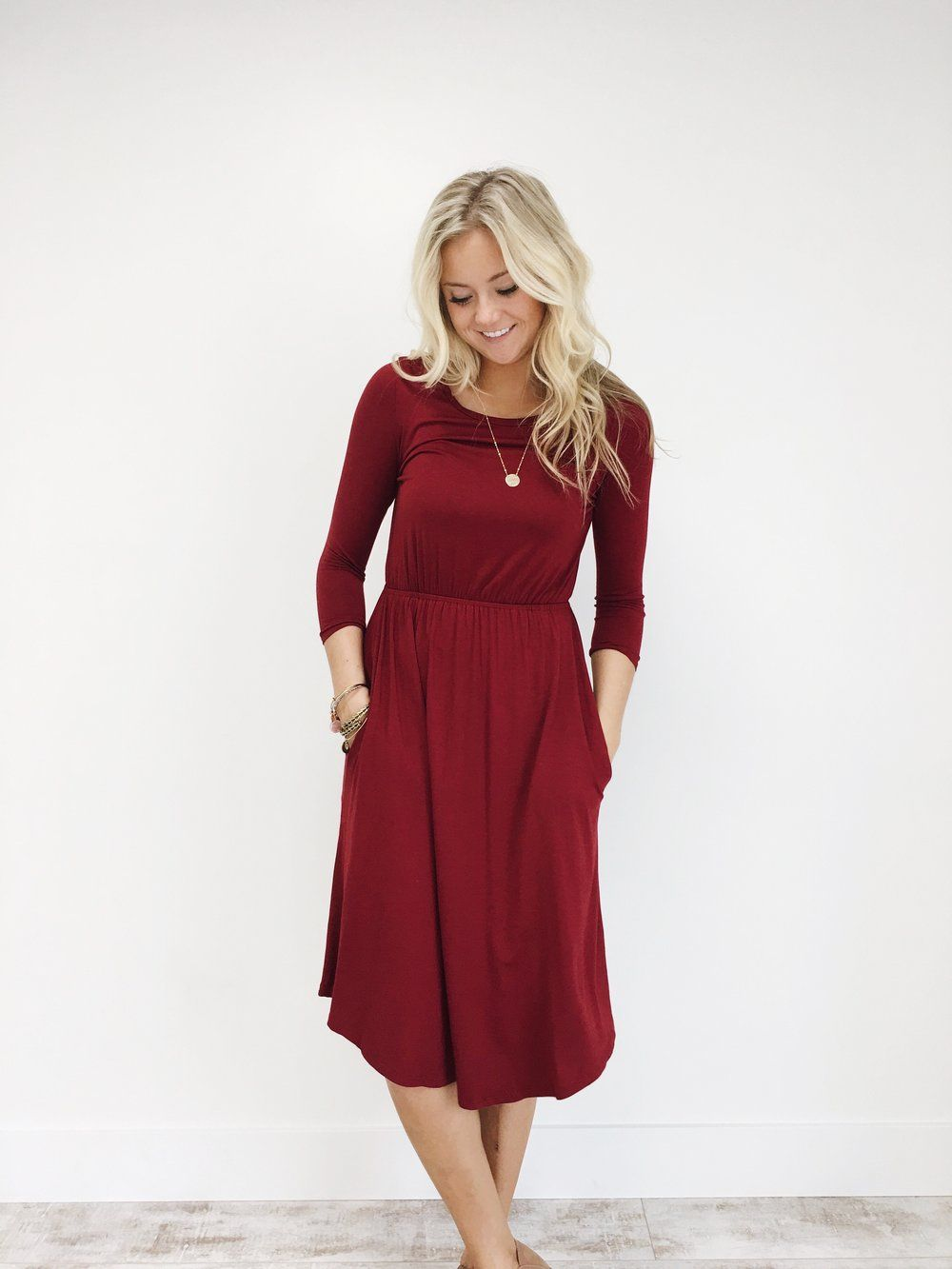 The Bethany Dress In Burgundy Roolee Dresses Pretty Outfits Midi Dress With Sleeves [ 1333 x 1000 Pixel ]