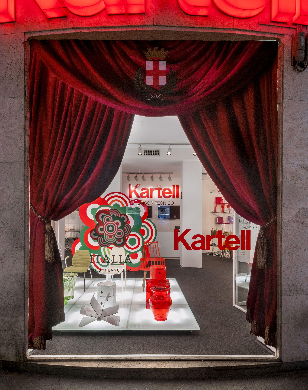 Schön Schaufensterdekoration Beispiele Dekoration Von Kartell Flashio Store Milano
