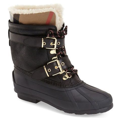 #Snow, #slush, and #rain don't stand a chance with these #waterproof #duck #boots #ideas for #women, #duck boots with #jeans