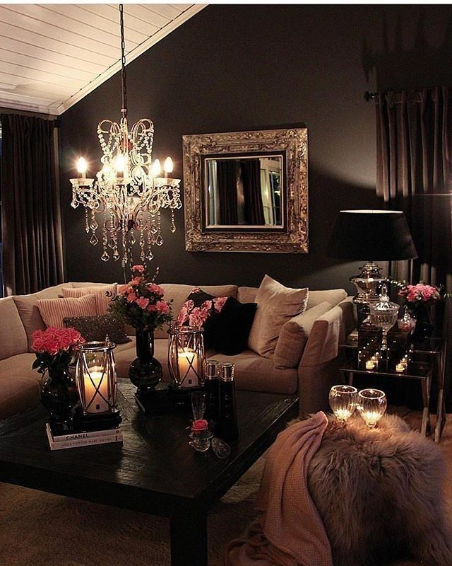 Cozy Romantic Living Room: 153 Likes, 3 Comments