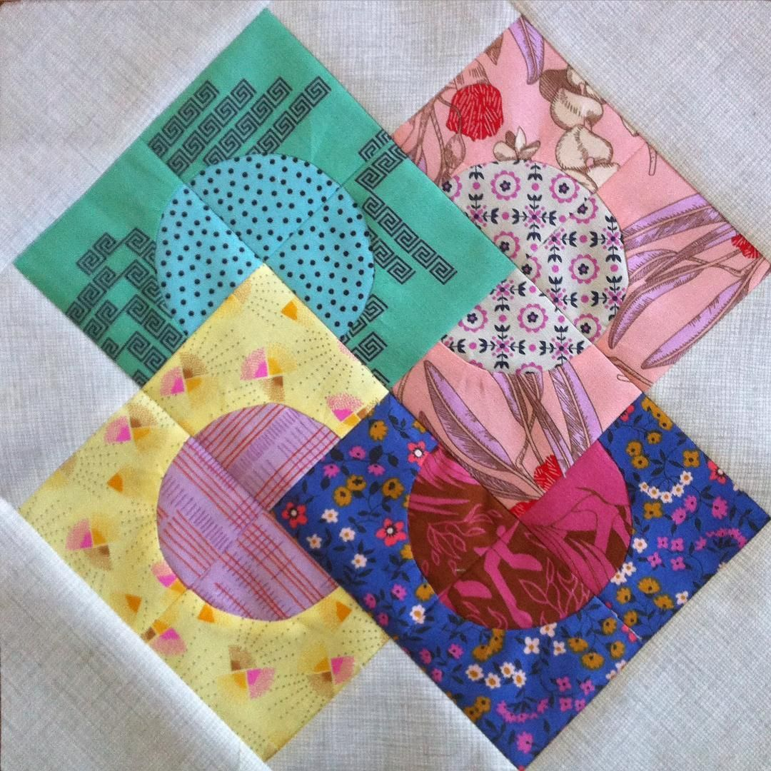 sewsomesunshine First #delilahquilt block, Rising Sun...curves are ...