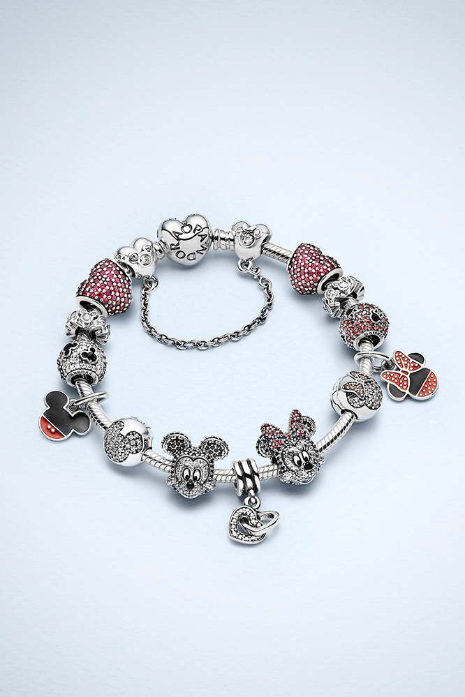 1919d5e404d Create a bracelet with charms symbolizing Minnie and Mickey's sparkling love  story. #PANDORAlovesDisney