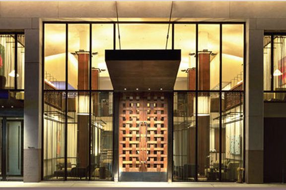 Wonderful welcoming doors hotel lobby design hotel for Hotel entrance decor