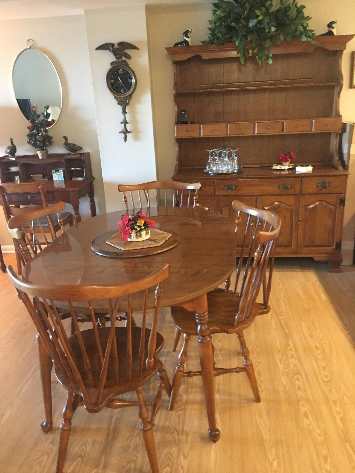 Ethan Allen Nutmeg Maple Dining Room Table - 2 leaves and 4 matching ...