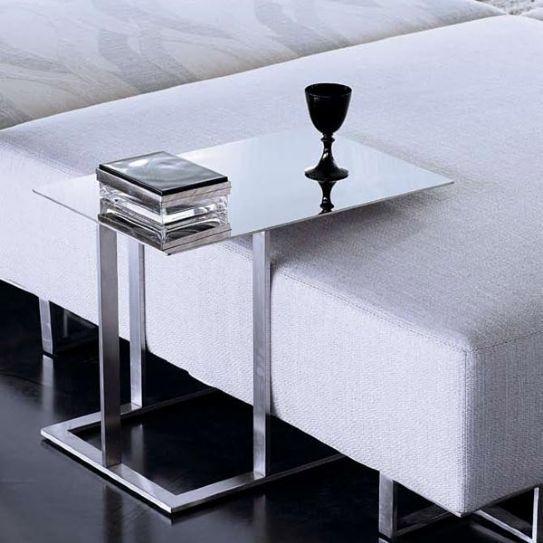 Veramente affascinante la versione di questa sedia da ufficio in pelle artificiale bianca. Pin En Home Decor