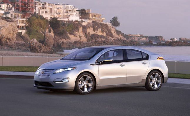 Chevrolet Volt Sales Hold Steady Nissan Leaf Continues To