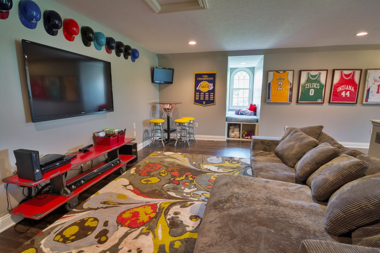 50 Kids Sports Room Photos Of Bedrooms Interior Design Check More At Http Nickyholender Com Kids Sports Sports Room Decor Cool Boys Room Kids Sports Room