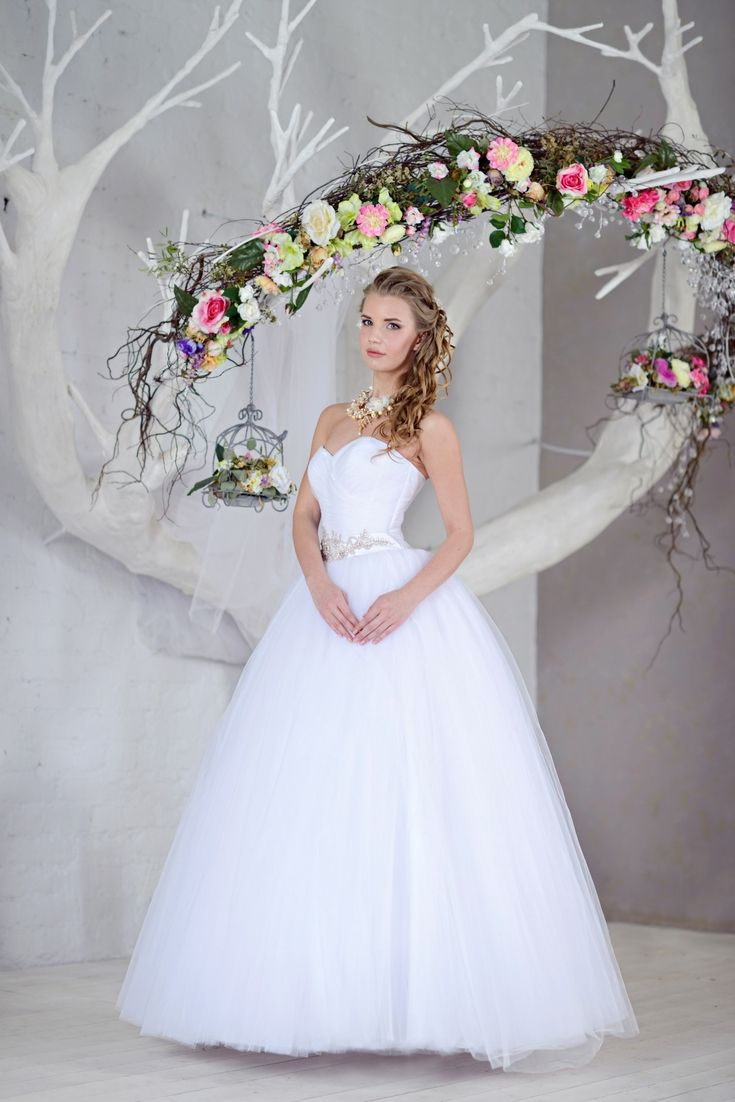 Top wedding dress collection hunting for the modern bridal dresses