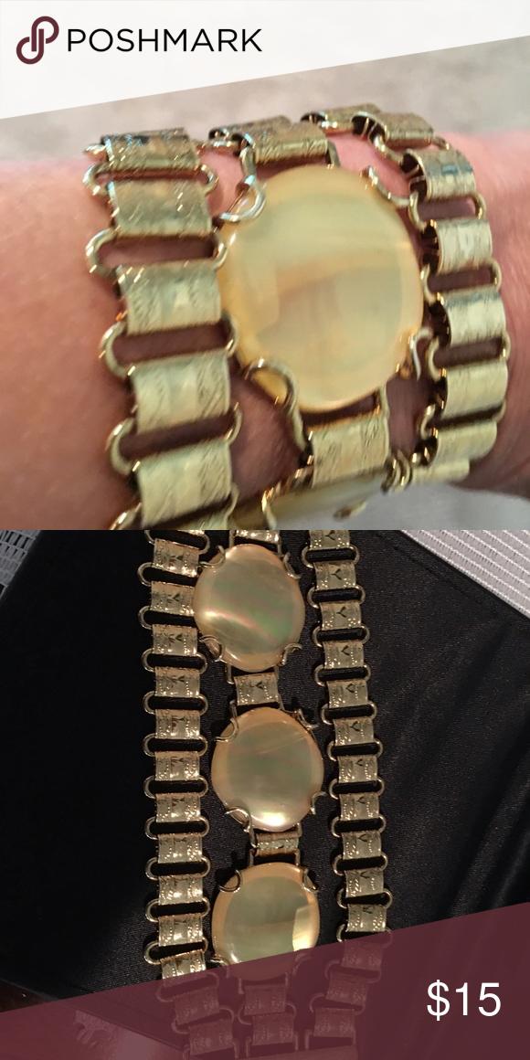 Banana Republic Bracelet Gold bracelet with 3 cream colored stones in the middle Banana Republic Jewelry Bracelets