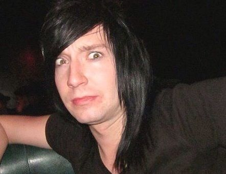 jake pitts without makeup - photo #1